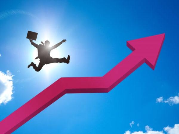 上昇している営業マン